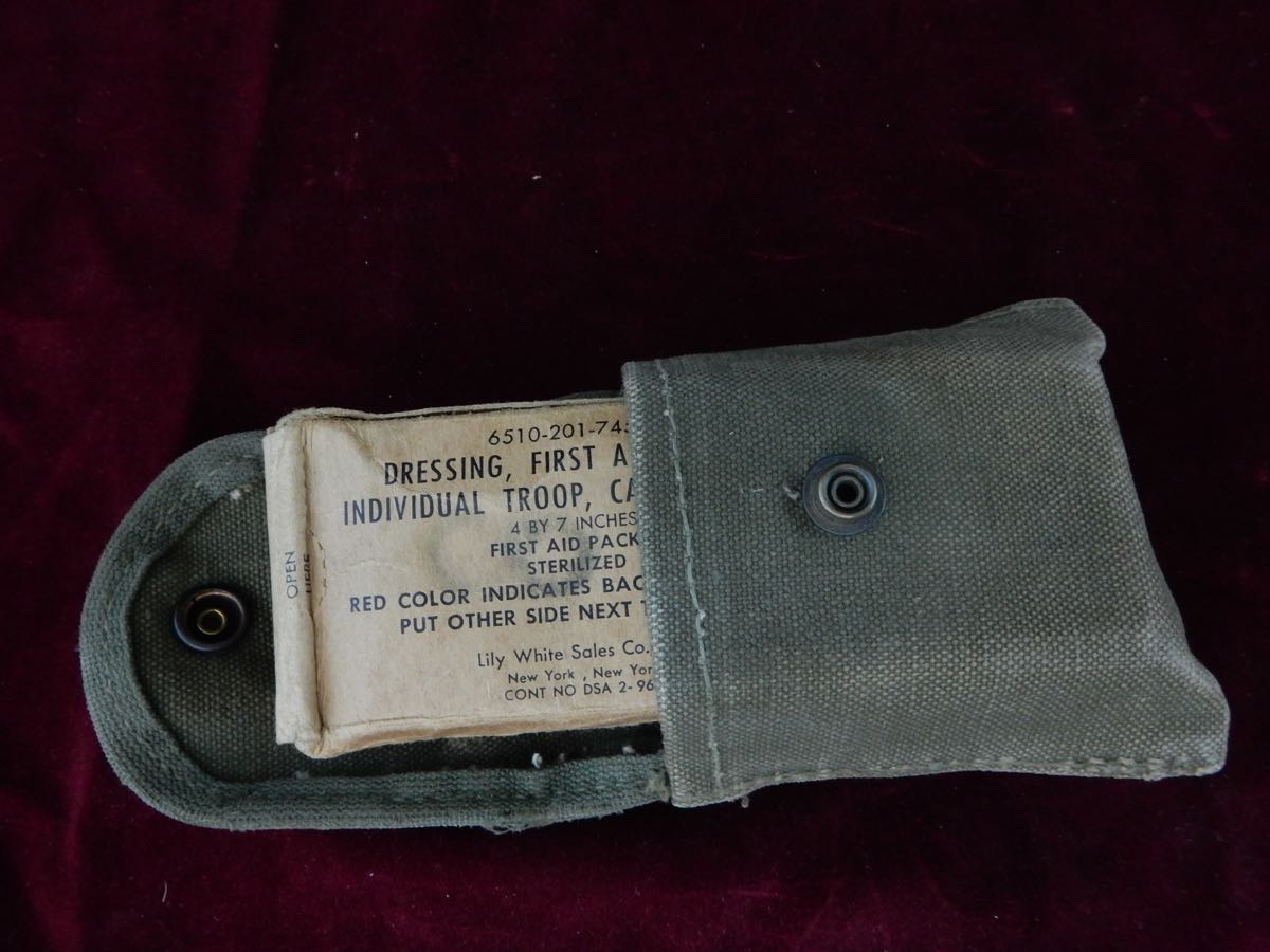 US wound bandage and pouch