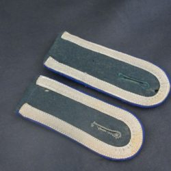 Medical Unteroffizers' Shoulder Boards