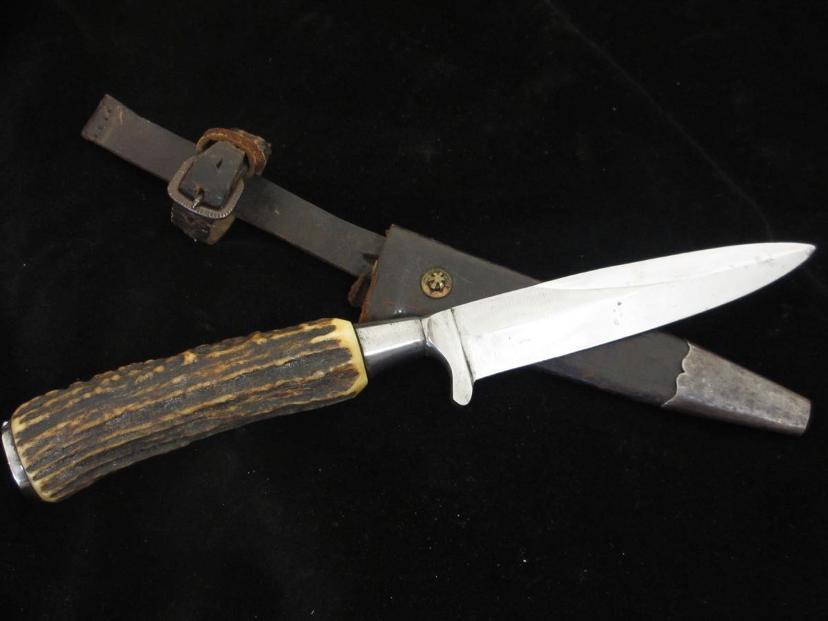 Stag grip Hunting/Skinning Knife