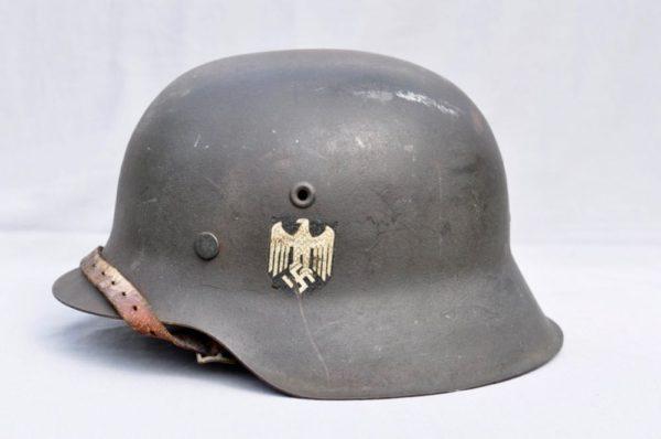 M42 SD Heer Combat Helmet M42 SD Heer Combat Helmet
